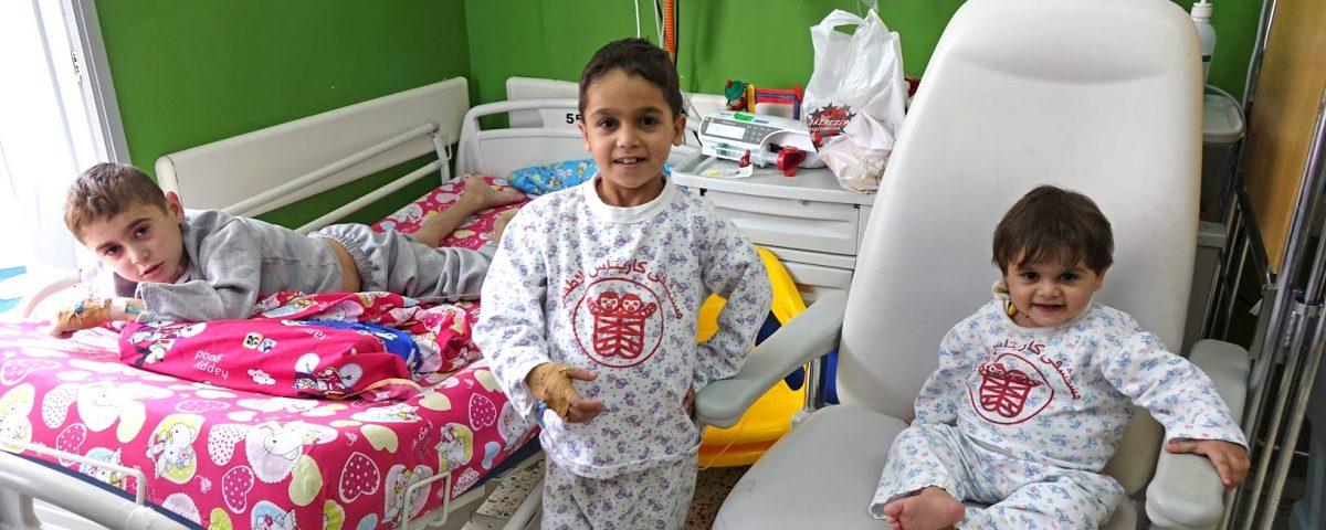 tre fratellini da gaza in cura al caritas baby hospital