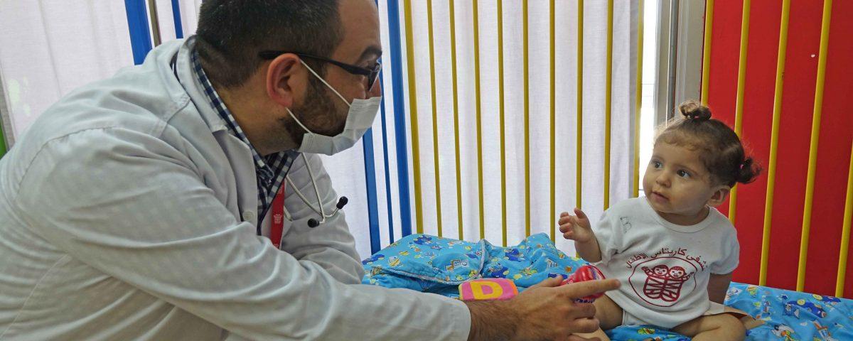 meningite bambina palestina terra santa caritas baby hospital betlemme