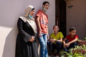 La mamma Sahar fa in modo che i ragazzi, malgrado la malattia, conducano una vita più normale possibile