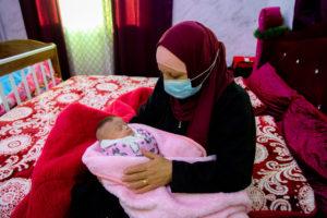 La nonna Fatima con Zeina