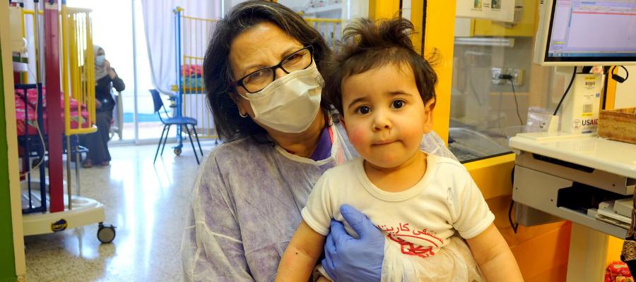 Un bambino curato al Caritas Baby Hospital