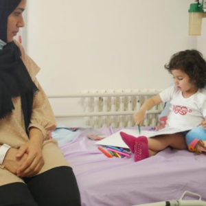 Sham con la sua mamma, durante i ricovero al Caritas Baby Hospital